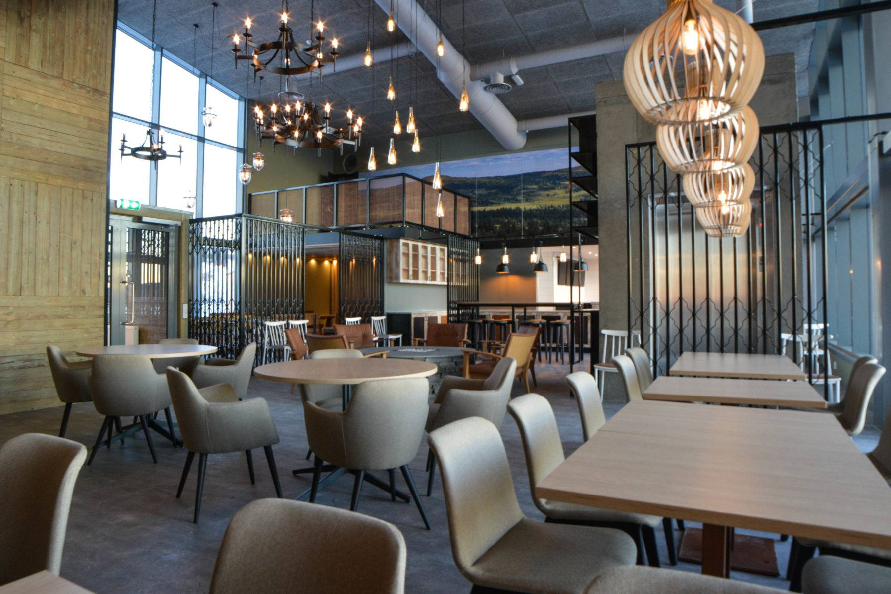 Interiør på ny restaurant på Graaten